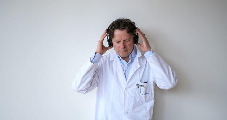 Slå på jobbhjernen din med musikk