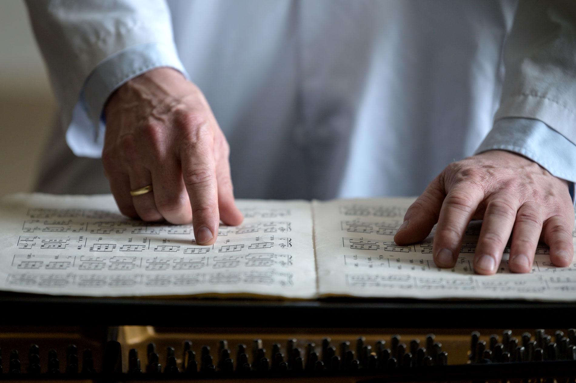MOZARTEFFEKTEN: – De som hører på Mozart – eller annen klassisk musikk – scorer litt bedre på IQ-tester rett etterpå. Musikken gjør hjernen klar til dyst, sier Geir Olve Skeie.